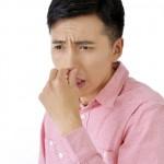 鼻の奥が臭いのは病気?玉のような塊がある場合も!